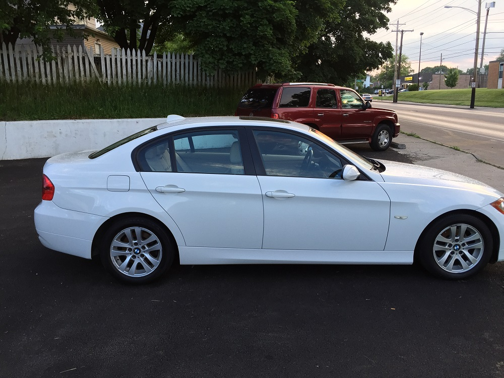 BMW325i For Sales at Columbus Auto Group West