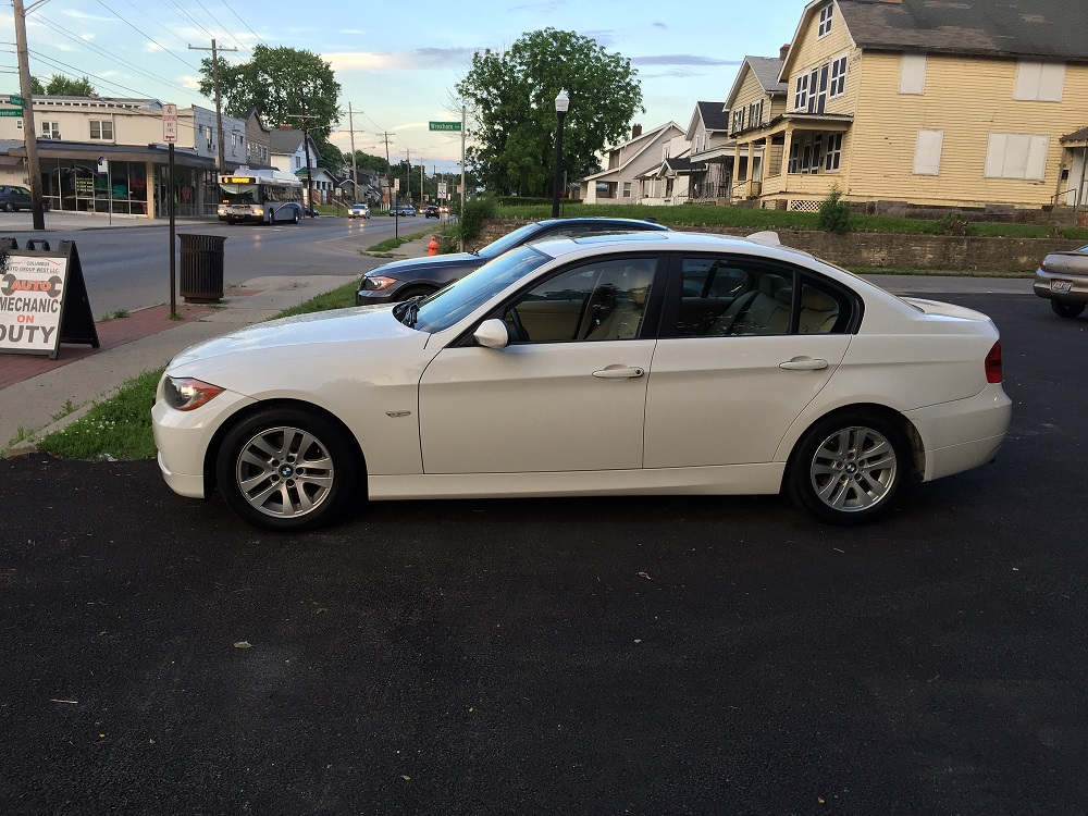 BMW325i For Sale at Columbus Auto Group West
