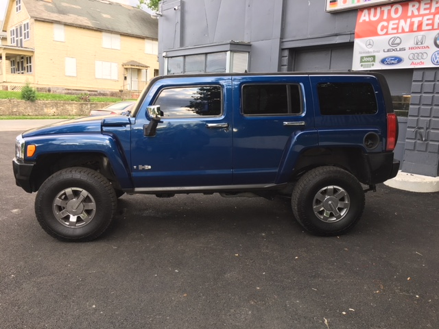hummer-drivers-side-exterior-view