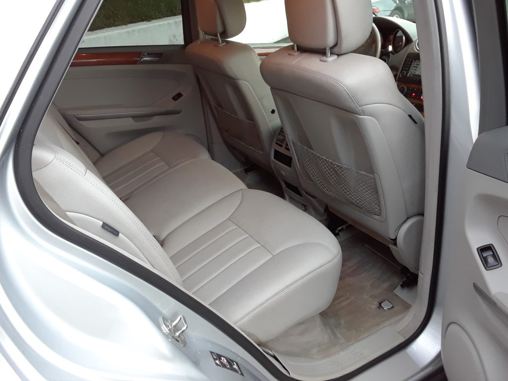 mercedes-benz-ml350-silver-passenger-side-rear-interior