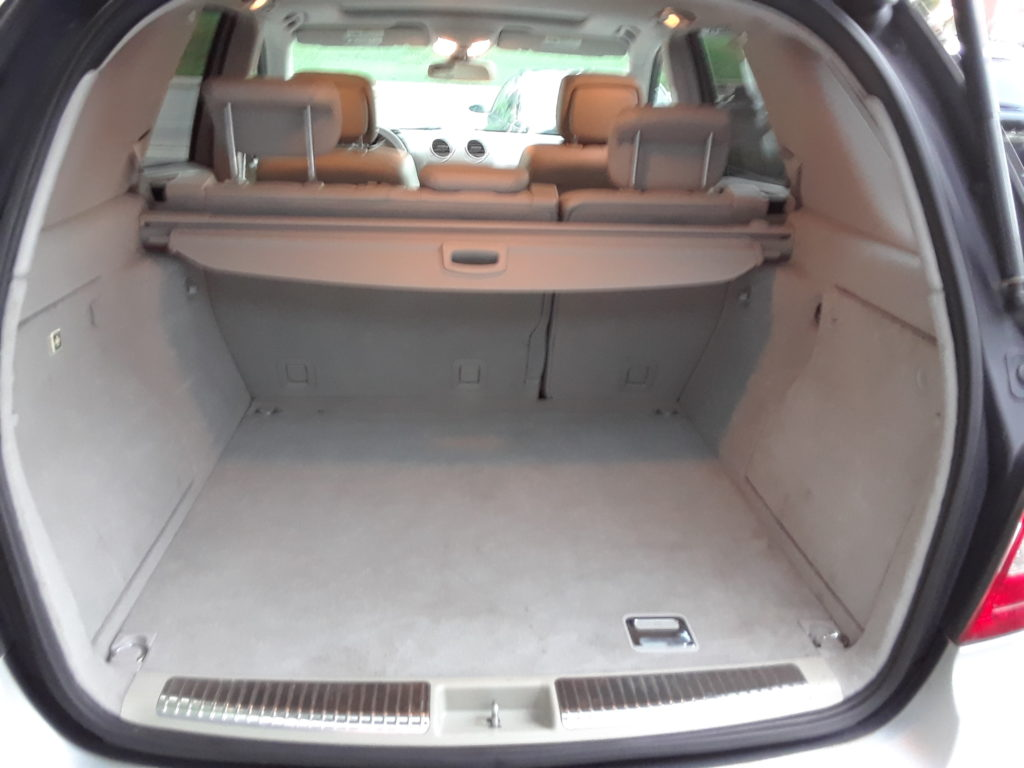 ml350-silver-rear-compartment-interior