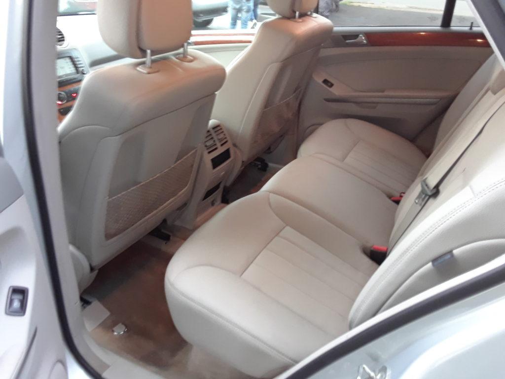 ml350-silver-rear-drivers-side-interior