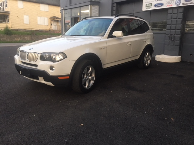 bmw-x3-white-drivers-side-front-angled-view-2