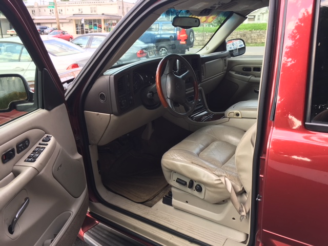 escalade-front-drivers-side-interior