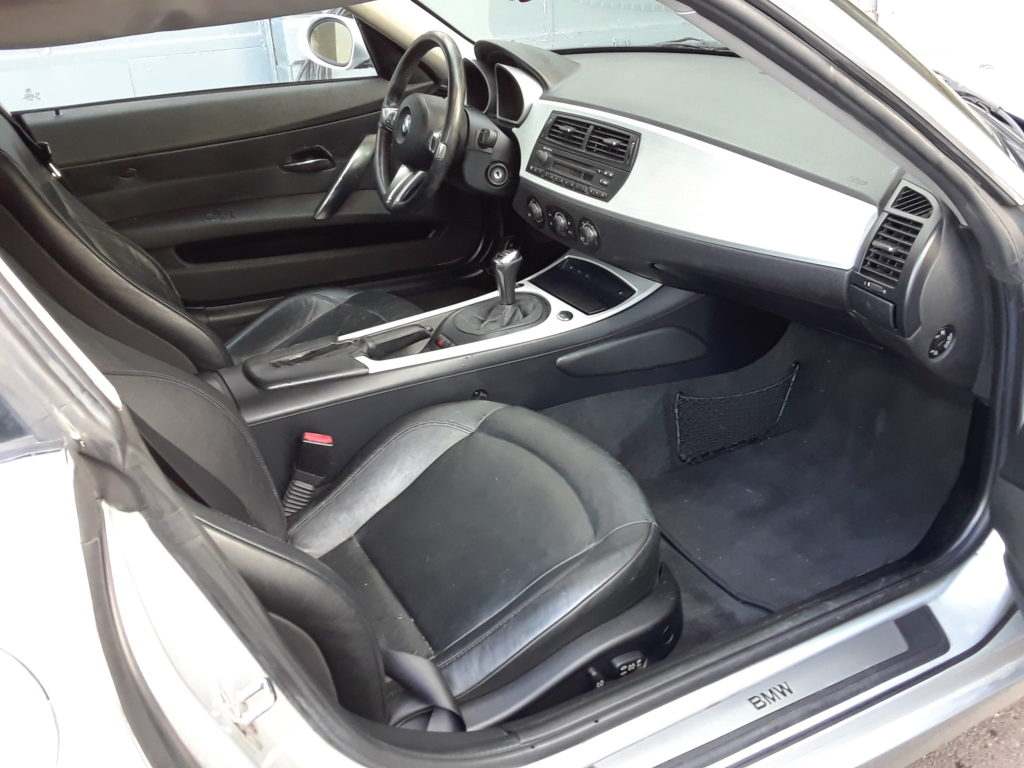 bmw-z4-passenger-side-interior-view